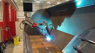 igm AV welding of dumper truck bodies at Bell Equipment GmbH with igm welding robots_ID190612 HD