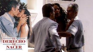 El derecho de nacer - C-42: ¡Aldo se enfrenta a golpes con Alfredo! | Televisa