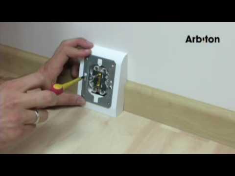 Arbiton - montaż listwy przypodłogowej MAXIMA