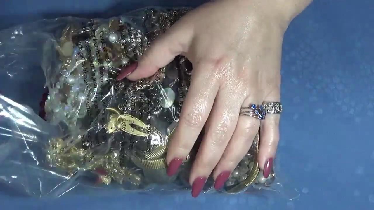 Splendid Classic Vintage Jewelry Bag