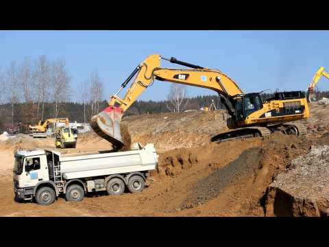 Caterpillar CAT 365C L Loading Trucks