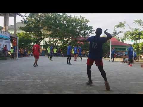 SMAN 2 Polewali VS SMKN Tapango Semi-final Volleyball