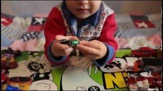Обзор детских железных машинок. Игрушки машинки.Малыш делает обзор.