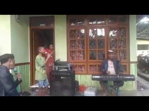 Viral Anak Kecil Ini Nyanyi Lagu Ayah Bikin Nangis