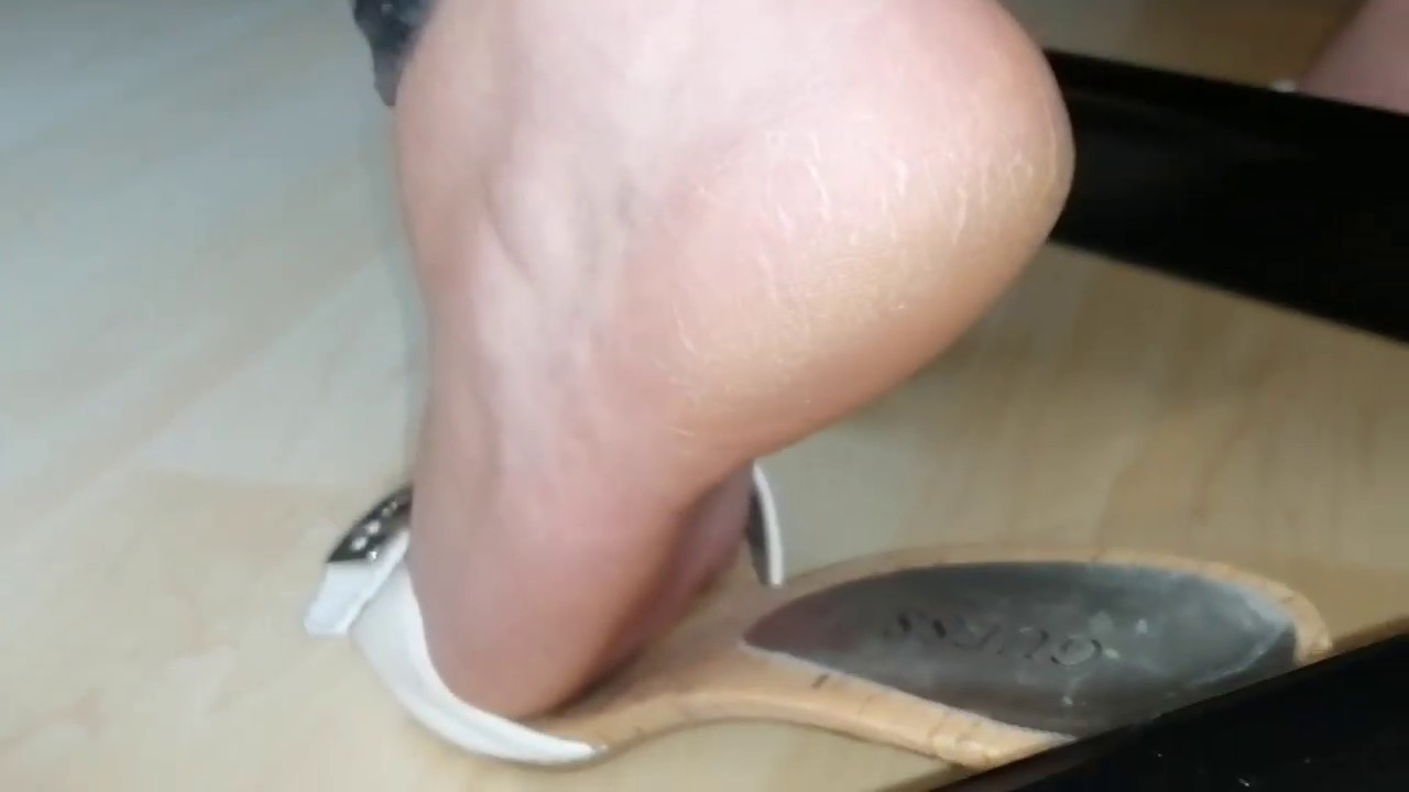 Secretary feet D4 part1