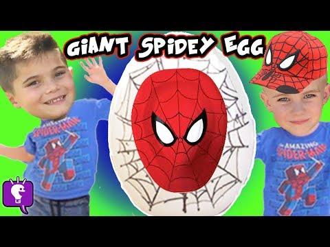 GIANT Spiderman SURPRISE ATTACK Egg Hot Wheels Showdown! Marvel Kinder HobbyKidsTv