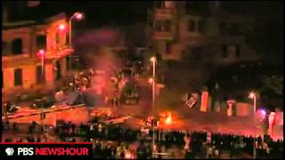 Egyptian Protesters in Standoff on Cairo Street Corner