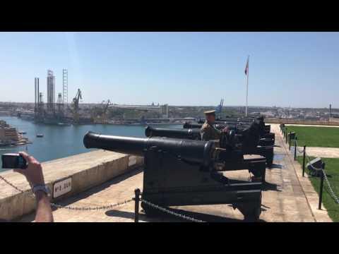 Noonday gun, Malta