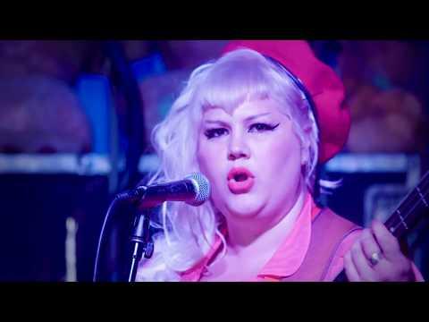 Shannon Shaw - Freddies 'n' Teddies [Official Video]