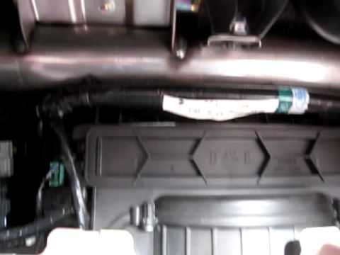 How to change 2003-2007 Honda Accord AC Filter - YouTube
