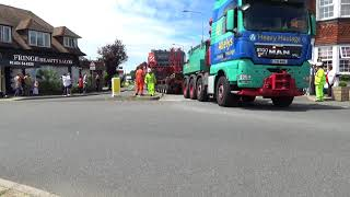 Allelys Heavy Haulage Abnormal Load Though East Sussex With Sussex Police