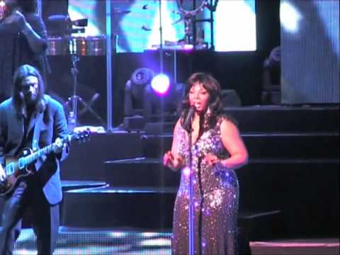 DONNA SUMMER COULD IT BE MAGIC LIVE 2009