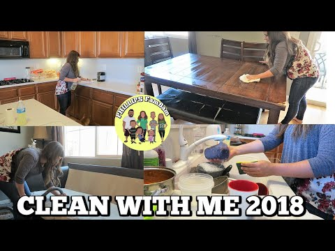 CLEAN WITH ME 2018 | SPEED CLEANING KITCHEN & LIVING ROOM (TIME LAPSE) | PHILLIPS FamBam Vlogs
