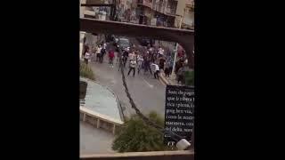 Guardia Civil tiene que retirarse por lluvia de piedras