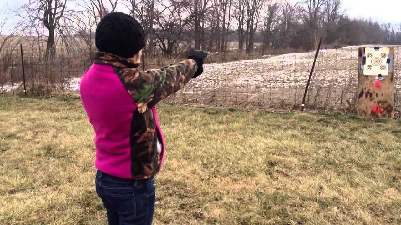 709 slim 9mm pistol - Girl Shooting A Taurus Pt709 Slim 9mm