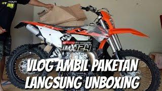 Video VLOG NGAMBIL PAKETAN MOTOR KTM 250XC-W 2-STROKE LANGSUNG UNBOXING download MP3, 3GP, MP4, WEBM, AVI, FLV November 2018