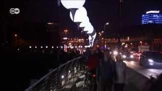 Тысячи огней вместо Берлинской стены и напутствие Горбачева(Протяженность Берлинской стены была около 155 км. При попытке ее пересечь погибли по меньшей мере 136 человек...., 2014-11-08T15:25:32.000Z)