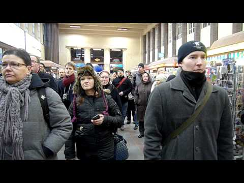 flashmob Helsinki train station