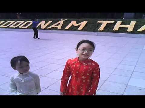 Chi- Giang - Bảo đi chơi dịp đại lễ Kỷ niệm 1000 năm TL-HN