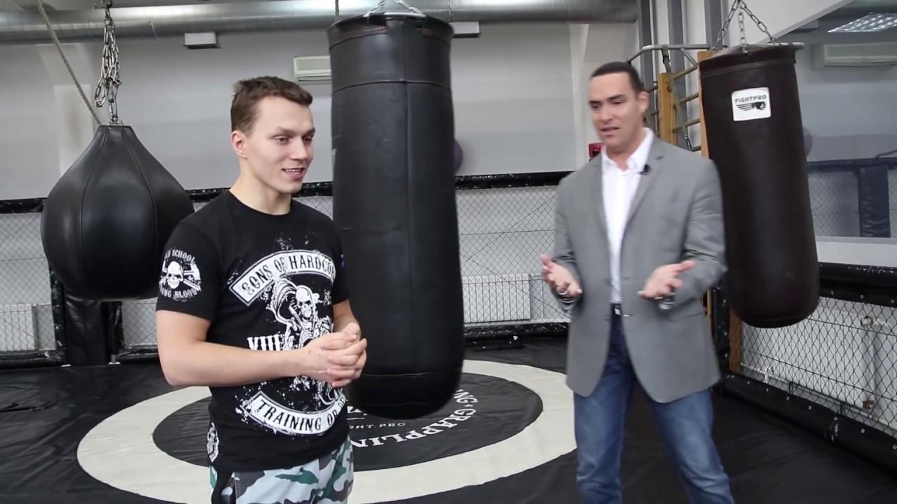 Мистер Вселенная Александр Невский боксирует с Тарасовым / Кто сильнее