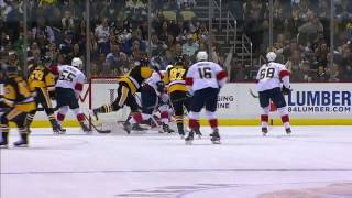 Crosby settles down a bouncing puck in his feet, backhands in 39th goal