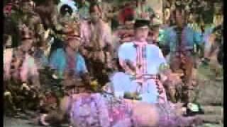 KOYAL KIUN GAYE (LATA MANGESHKAR) AP AYE BAHAR AYEE.mpeg