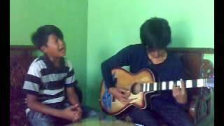 Download Video AYAH - LAONEIS | Video pertama kali membawakan lagu Ayah MP3 3GP MP4