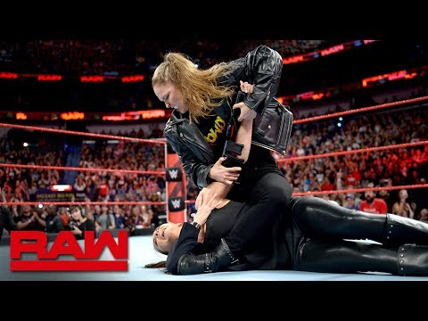 Ronda Rousey puts Stephanie McMahon in an Armbar: Raw April 9, 2018 thumbnail