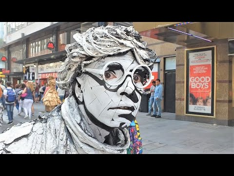 AMAZING Living Human Statue | Street Entertainer | London
