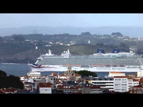 2015 05 El Britannia saliendo de La Coruña (1)