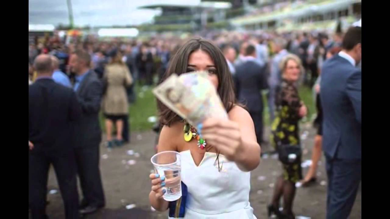 Aintree to BAN pictures of badly dressed women at Ladies