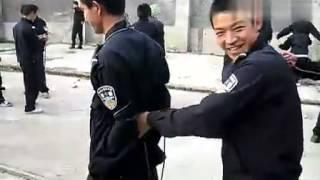 Repeat youtube video 警察学院抓捕捆绑训练1