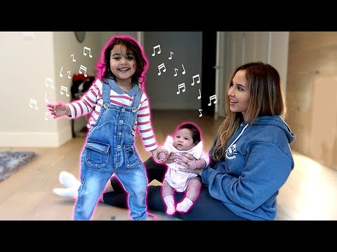 ELLE TEACHES HER BABY SISTER HOW TO DANCE!!! **ADORABLE DANCING SISTERS**