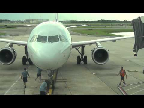 US Airways Airbus A321 Taxiing to Jetway