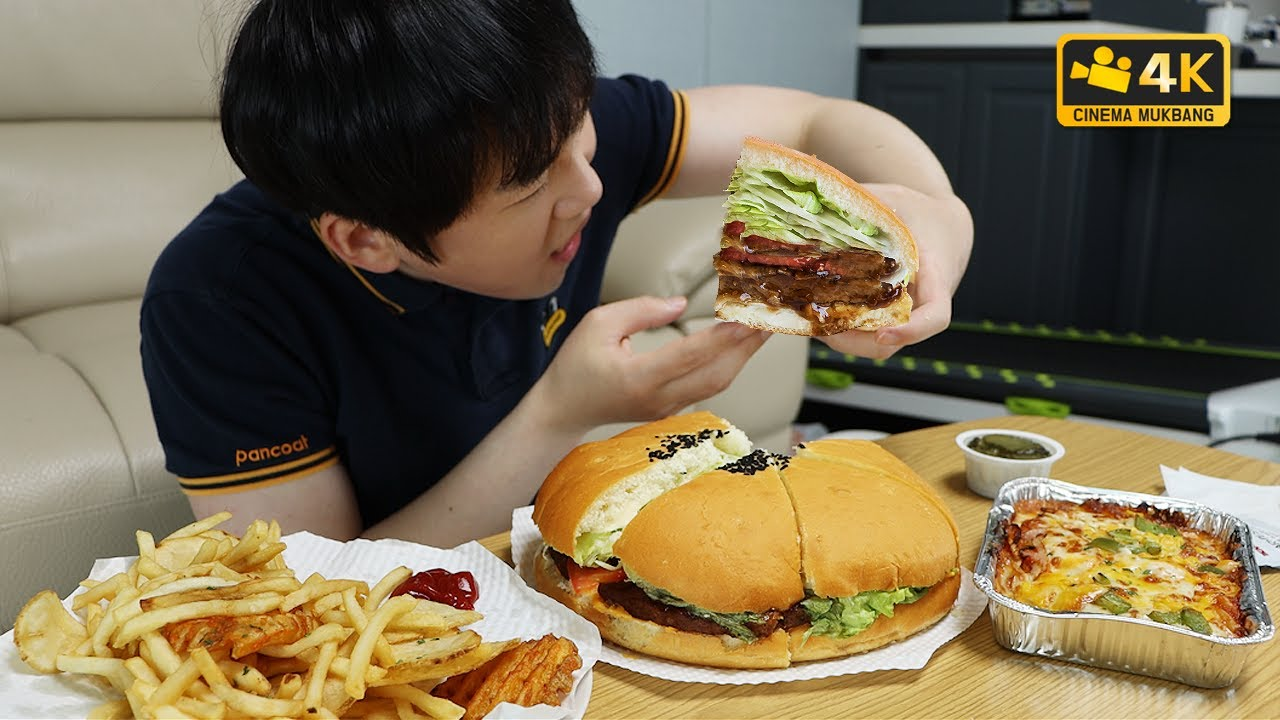 SUB 인기없는 빅버거  Do you like...Big hamBurger?! Cinema Mukbang DoNam 시네마먹방