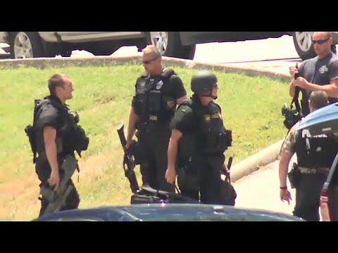 الشرطة الأمريكية تقتل مشتبها به بمدينة كنساس  - نشر قبل 3 ساعة