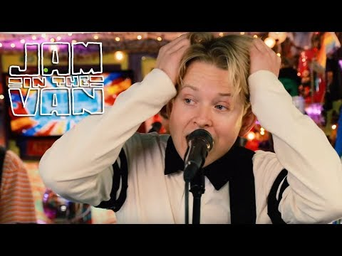 "swmrs---""trashbag-baby""-(live-at-jitv-hq-in-los-angeles,-ca-2019)-#jaminthevan"