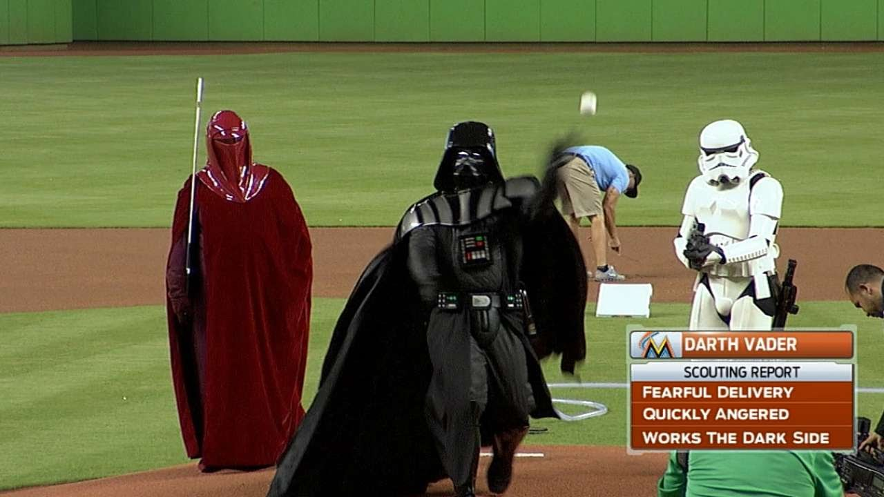 Darth Vader throws out the first pitch on Star Wars Night ...