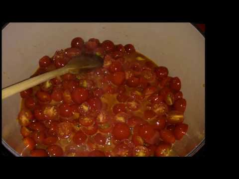 How to make fresh tomato sauce with cherry tomatoes