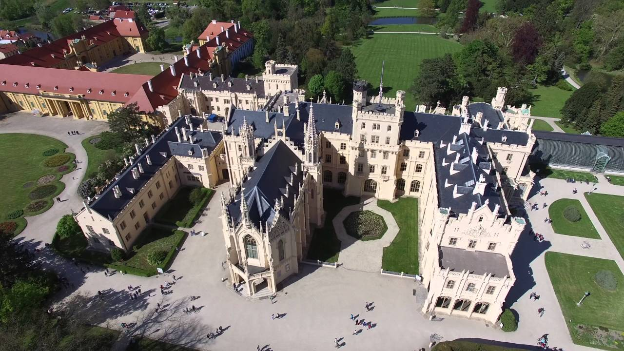 4K (UHD) Lednice Castle from above