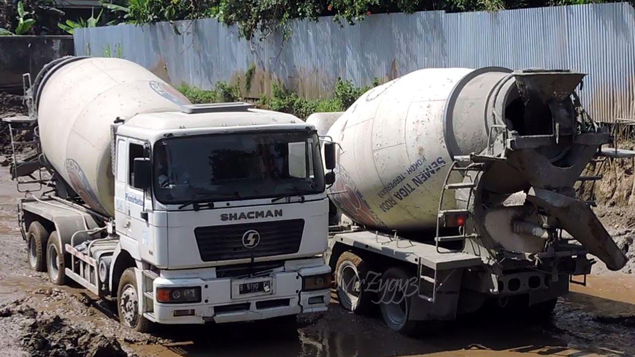 concrete mixer trucks working