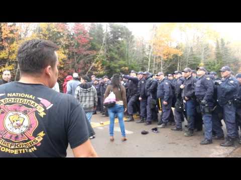 Clash between shale gas protestors & RCMP.