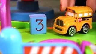 Carros para niños - Números del 1 a 3 - Speedy y Bussy