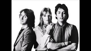 Paul McCartney & Wings - Don't Let It Bring You Down