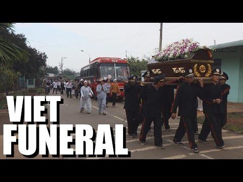 Culture Crash Vietnam: My Grandfather's Funeral.