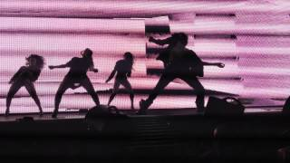 LES TWINS | Beyonce The Mrs. Carter Show World Tour - Baby Boy (Dutty Wine)