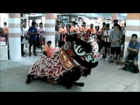 Lion Dance - Chinatown Complex Feb 2013