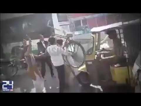 Pakistani lawyers beating badly a poor man