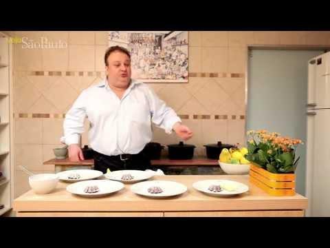 Erick Jacquin ensina a preparar um petit gâteau