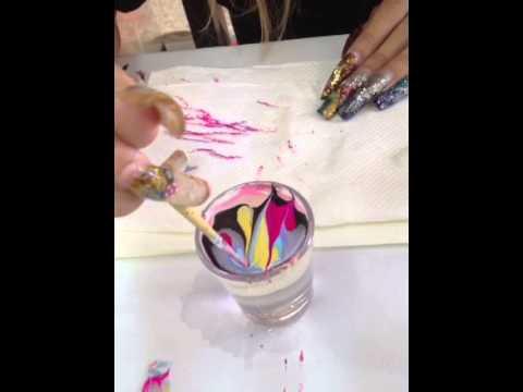 สอนการทำเล็บสีลอยน้ำ-ลายกราฟฟิก